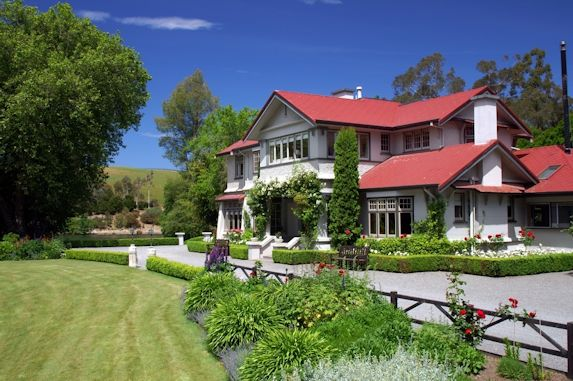 New Zealand Luxury Resorts and Lodges - Lake Timara Lodge