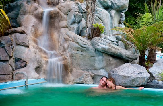 New Zealand honeymoons, luxury getways and romantic packages.