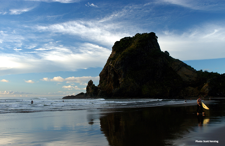 Piha Beach credit Scott Venning