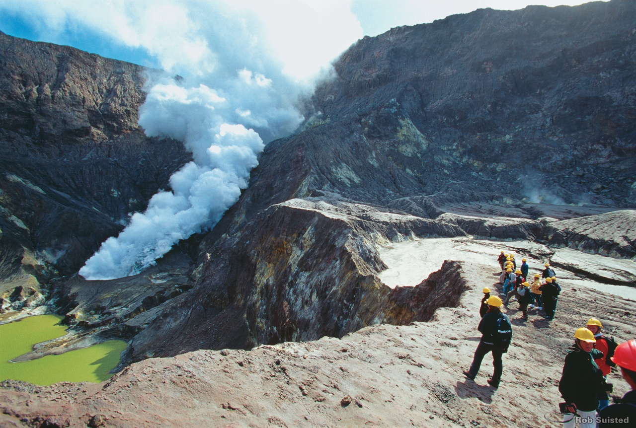 A Guide To New Zealand Volcanoes And Geothermal Sights