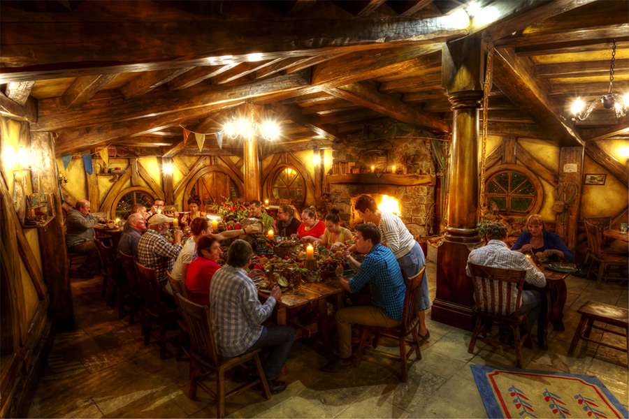 Hobbiton Evening Banquet Tour   About New Zealand