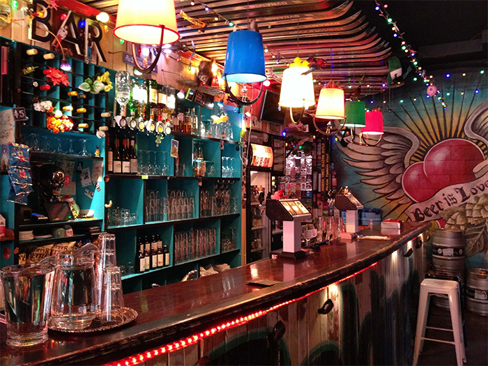 Golding's Free Dive Bar credit WellingtonNZ